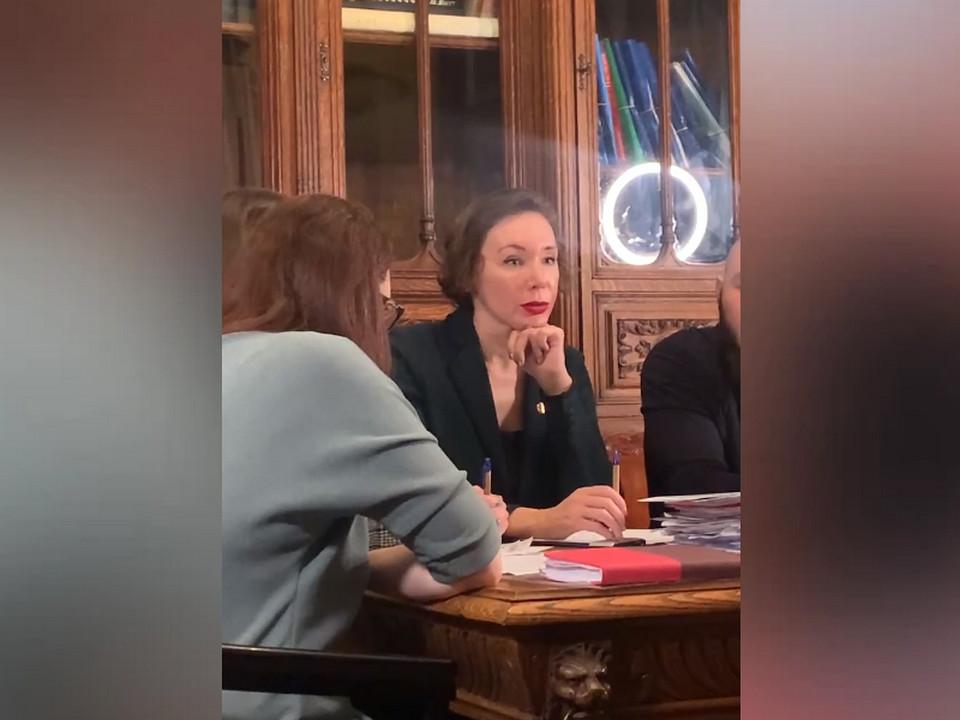 Юлия Вербицкая-Линник, адвокат друзей Влада Бахова (кадр видео starhit.ru)