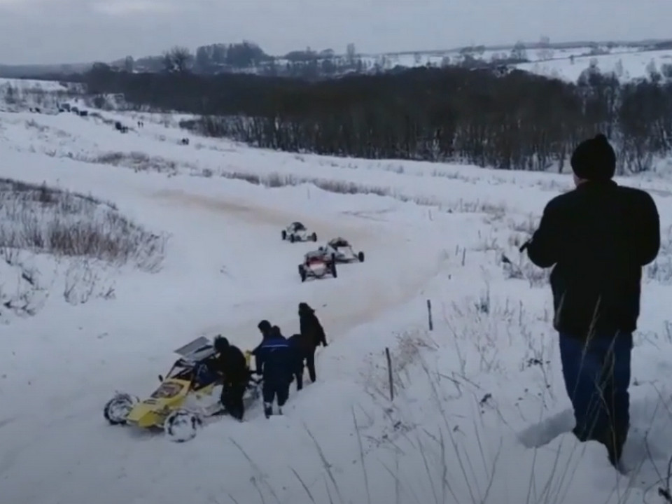 Под Смоленском гонки чемпионата по автокроссу сняли на видео