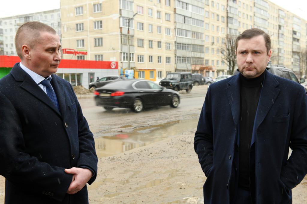 borisov-ostrovskij-soveshhanie-16.03.2021-po-remontu-dorog-normandiya-neman-foto-admin-smolensk.ru_
