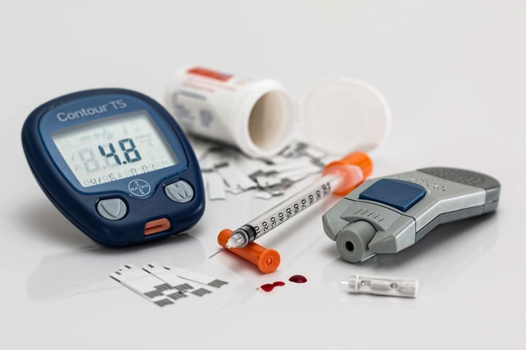 диабет, тестер, глюкометр, инсулин