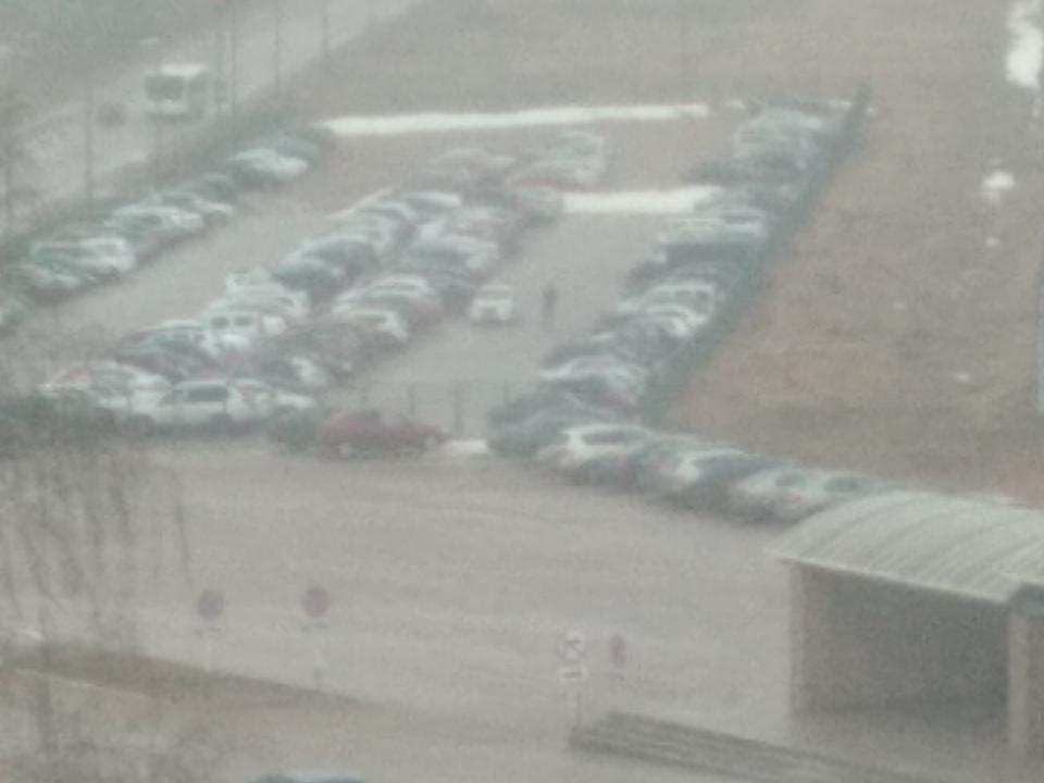 ДТП на служебной парковке ПАО Дорогобуж 31.03.2021, Opel, Nissan (фото vk.com podslushanovdore)