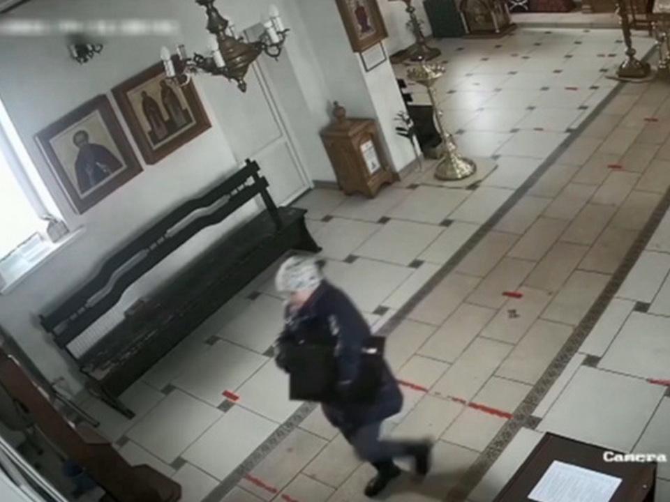 кража мощей из храма Преподобного Серафима Вырицкого (кадр видео mvdmedia.ru)