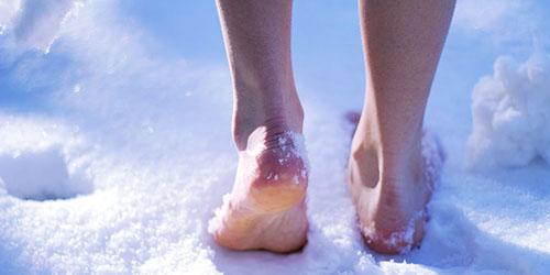 ноги снег
