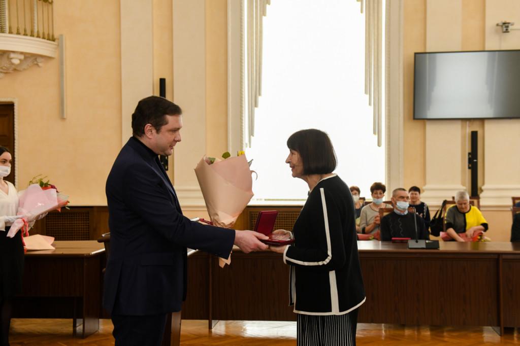 Островский, церемония вручения государственных наград (фото admin-smolensk.ru)