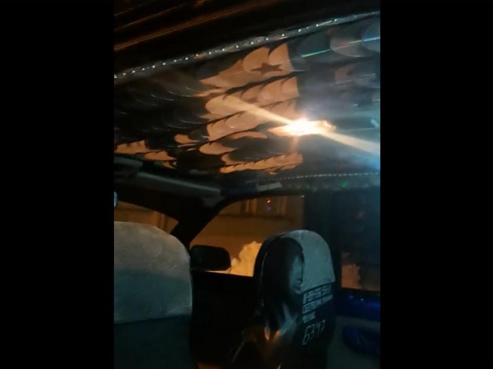 смоленское такси с дискотекой внутри, ВАЗ-2110 (кадр видео tiktok.com denchik19876)