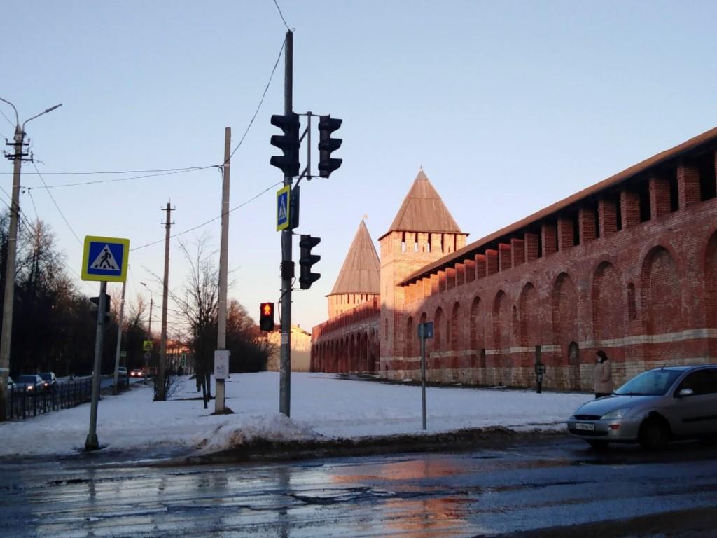 улица Жукова, зима 2021, башни Долгочёвская и Заалтарная (фото 67.mchs.gov.ru)