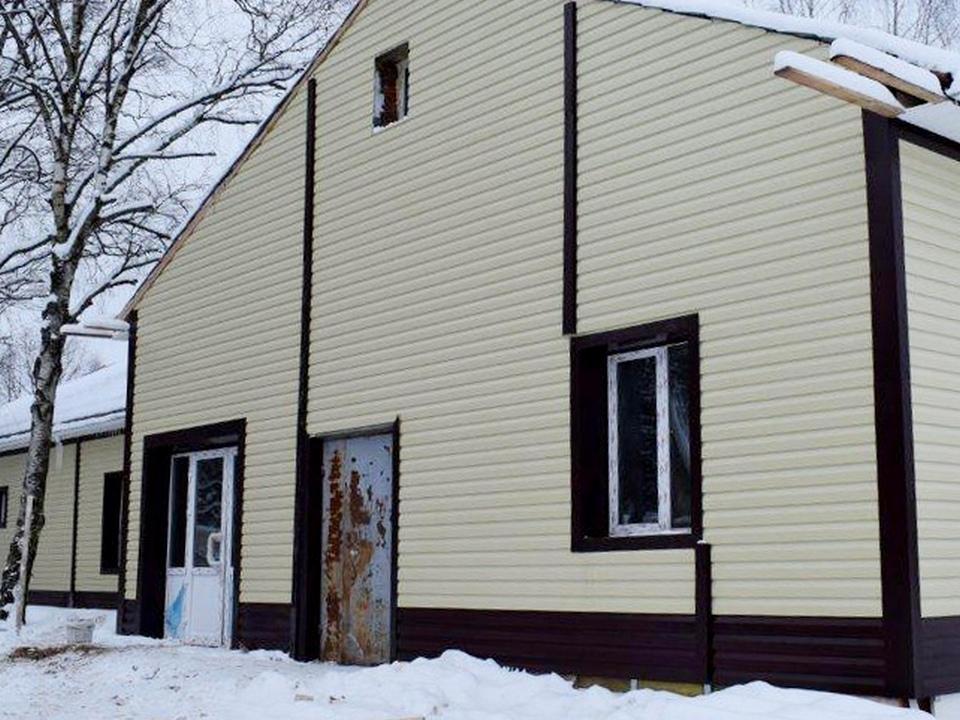 здание общественное бани в Глинке, улица Шардина (фото admin-smolensk.ru)