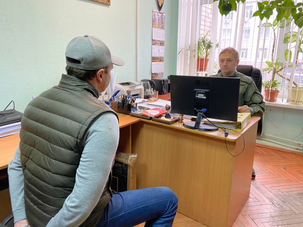 допрос следователем, посредничество при контрабанде (фото smolensk.sledcom.ru)