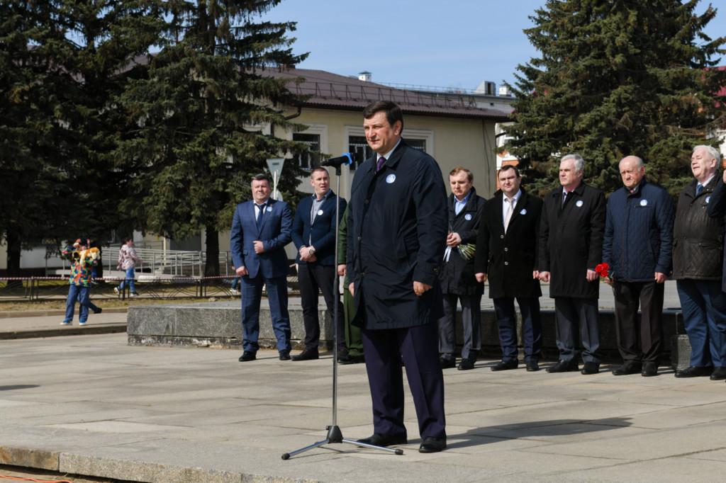 Ляхов, митинг ко Дню космонавтики 12.04.2021 (фото admin-smolensk.ru)