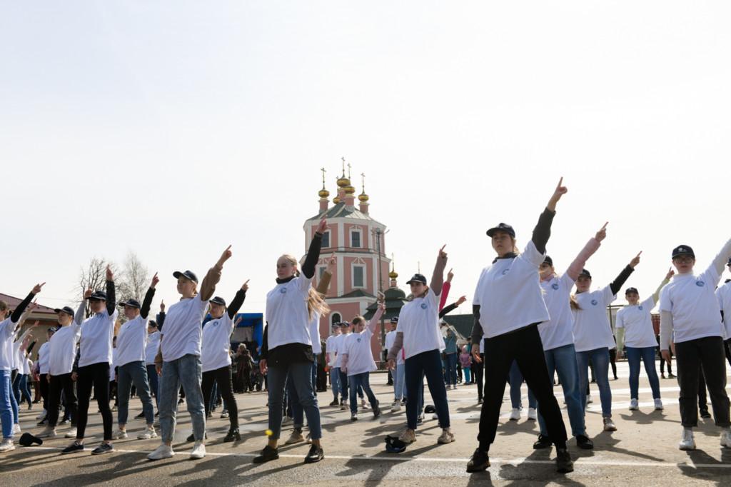 митинг 12.04.2021 ко Дню космонавтики_2 (фото admin-smolensk.ru)