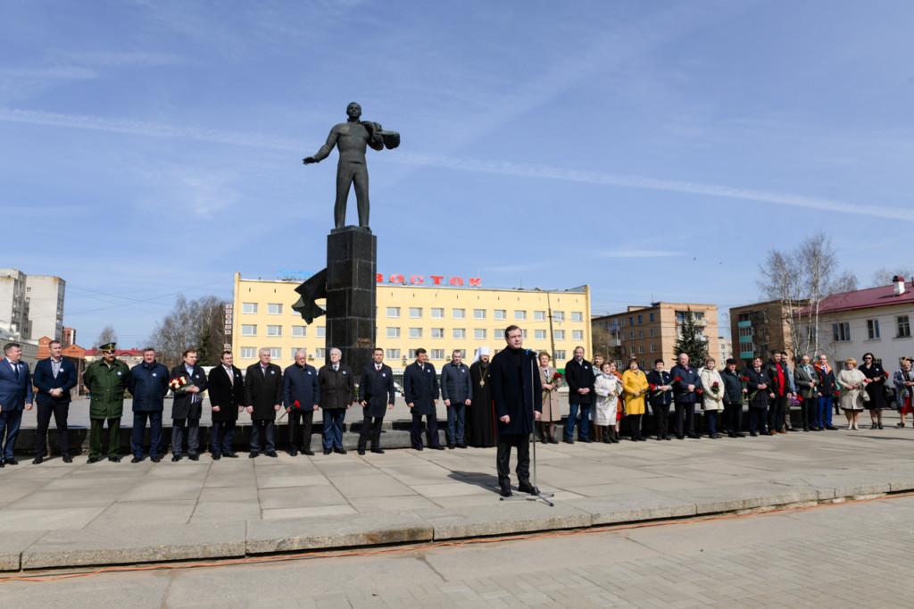 Островский, митинг ко Дню космонавтики 12.04.2021 (фото admin-smolensk.ru)