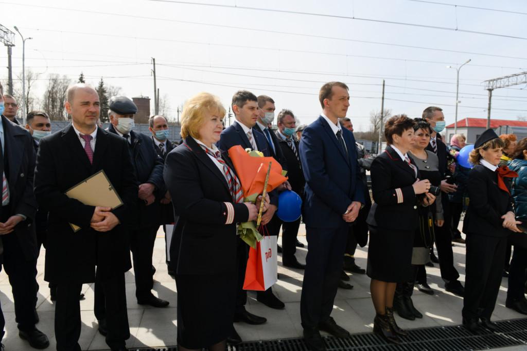 открытие отремонтированного железнодорожного вокзала в Гагарине (фото admin-smolensk.ru)