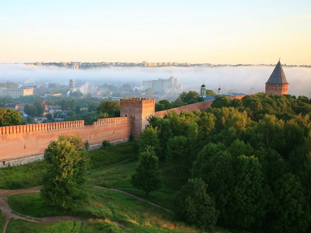 Алексей Островский обратился к министру культуры за дополнительными средствами на ремонт Смоленской крепостной стены