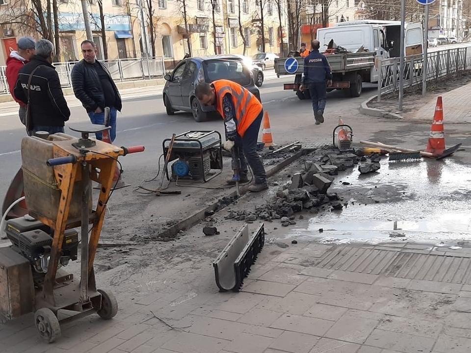 ливнёвка на улице Николаева, весна 2021 года (фото vk.com smolensk_transport)