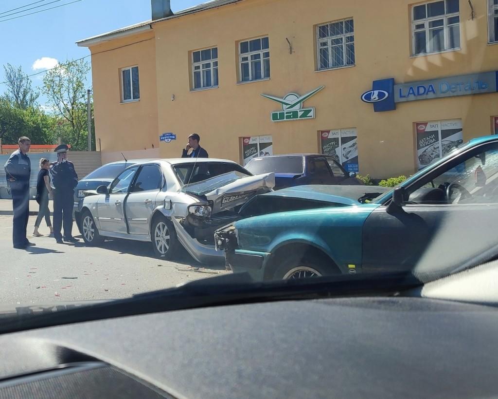 массовое ДТП 21.05.2021, Крупской, Hyundai, ВАЗ-21099, Audi (фото vk.com id164378678)