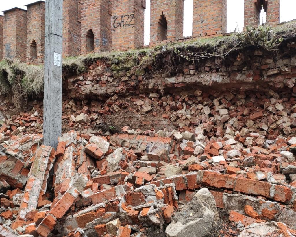 обрушение прясла XXI крепостной стены в мае 2021 года_2