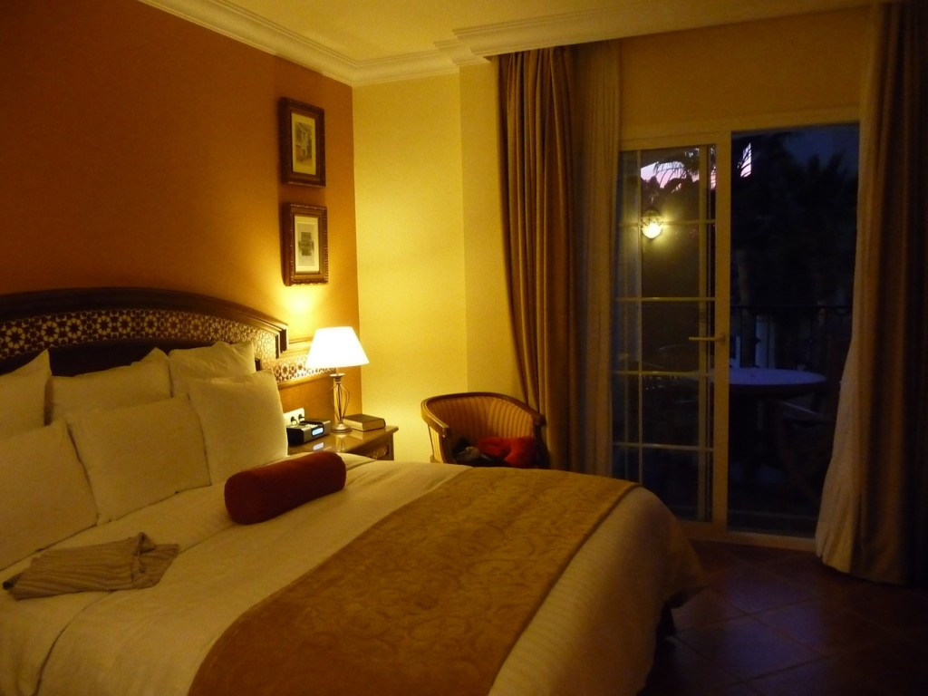 hotel-rooms-663454_1280