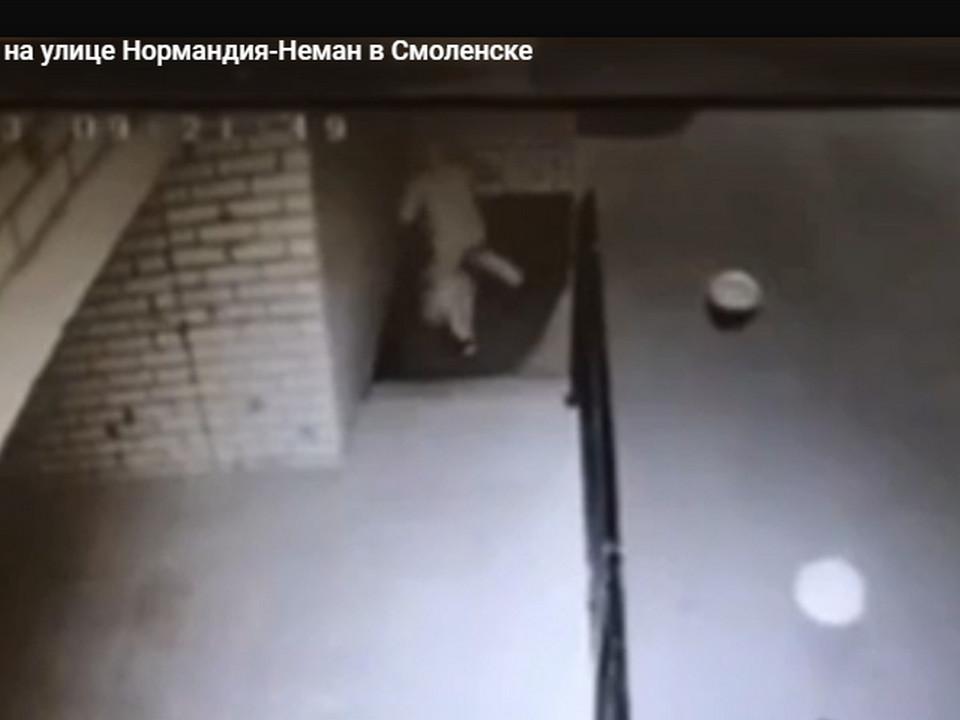 избиение девушки на Нормандия-Неман, 7 22.05.2021 в Смоленске