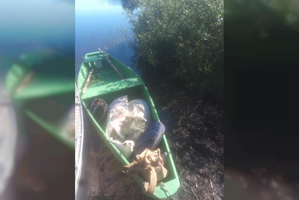 лодка браконьеров 18.06.2021, Дго (фото vk.com smolensk_lakeland)