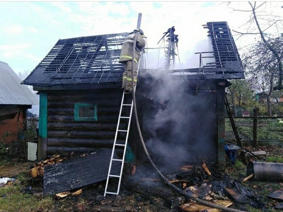 пожар 14.06.2021, Вязьма, улица Новая, частный бревенчатый дом (фото 67.mchs.gov.ru)