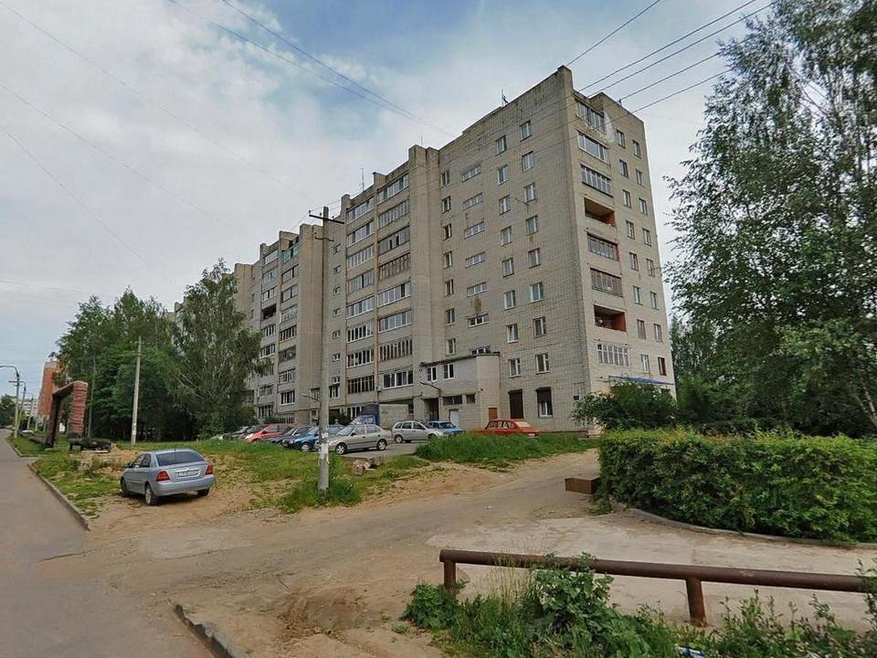 проезд по улице Нахимова, возле дома №33 (фото maps.yandex.ru)