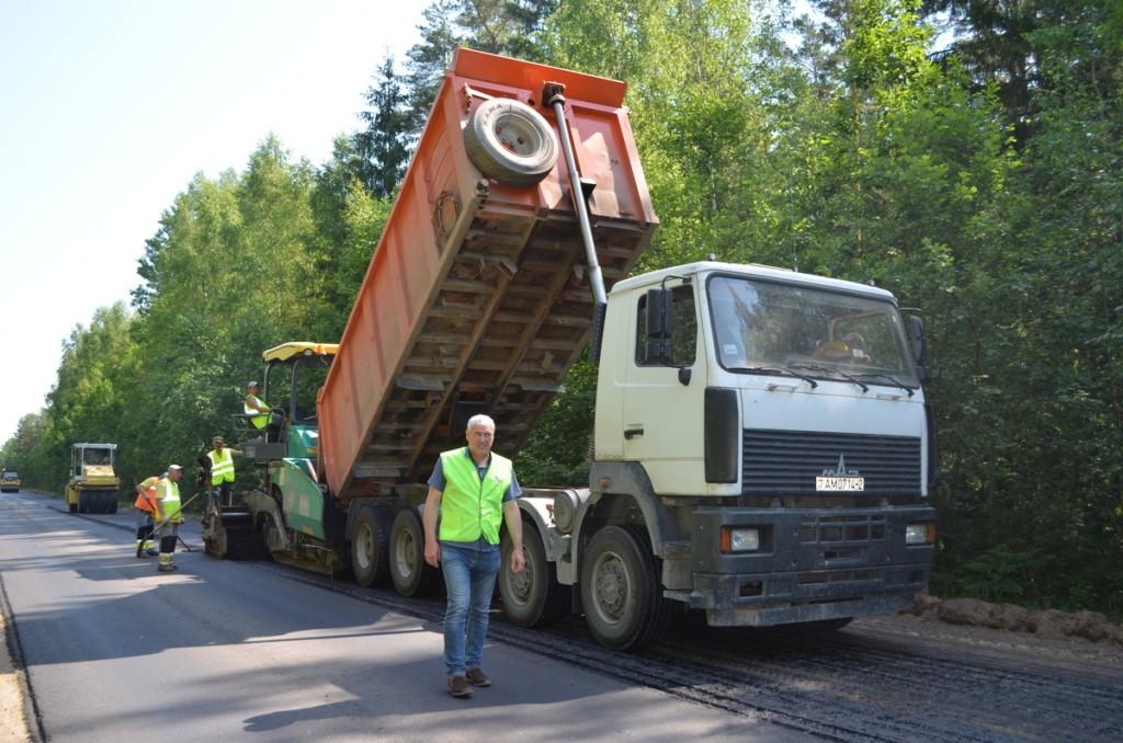 проверка ремонта дороги по нацпроекту в Велижском районе, ОНФ, Яров, июнь 2021 (фото пресс-службы Смоленскавтодора)