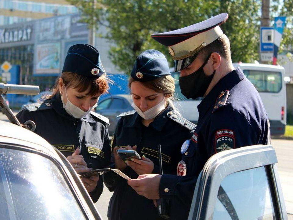 рейд ГИБДД и судебных приставов, проверка неоплаченных штрафов (фото r67.fssp.gov.ru)
