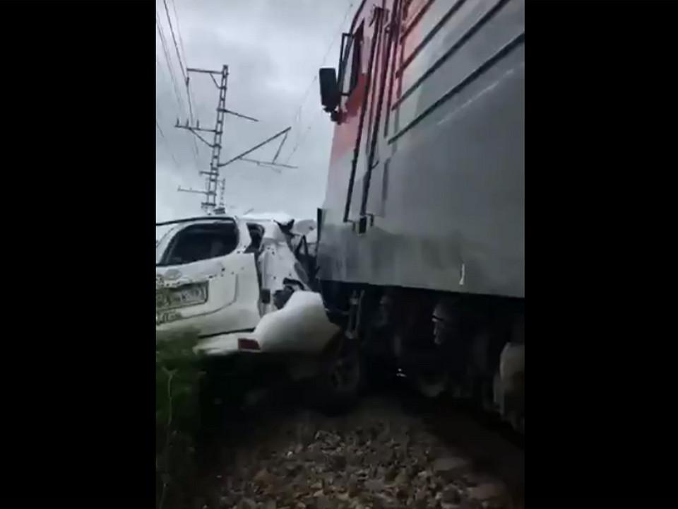 смертельное ДТП 5.06.2021, поезд Смоленск - Анапа, Toyota, Краснодарский край