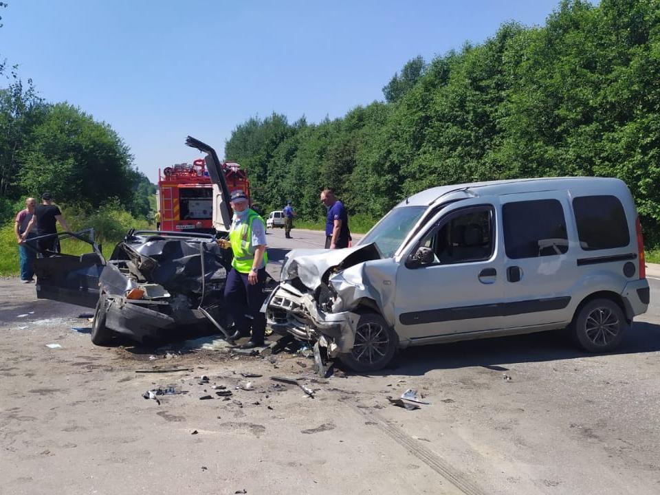 ДТП 7.07.2021, Курдымово, Renault Kangoo, ВАЗ-2115 (фото 67.gibdd.ru)