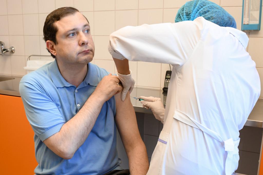 Островский, повторная вакцинация от коронавируса (фото admin-smolensk.ru)