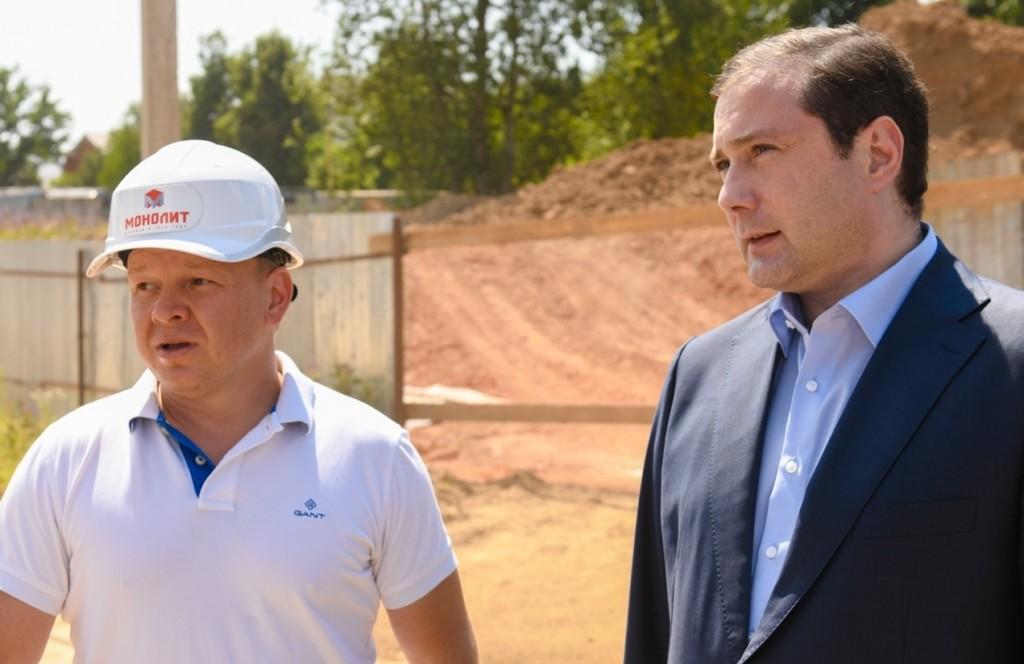 Алексей Островский проинспектировал строительство детского сада в «Соловьиной роще»