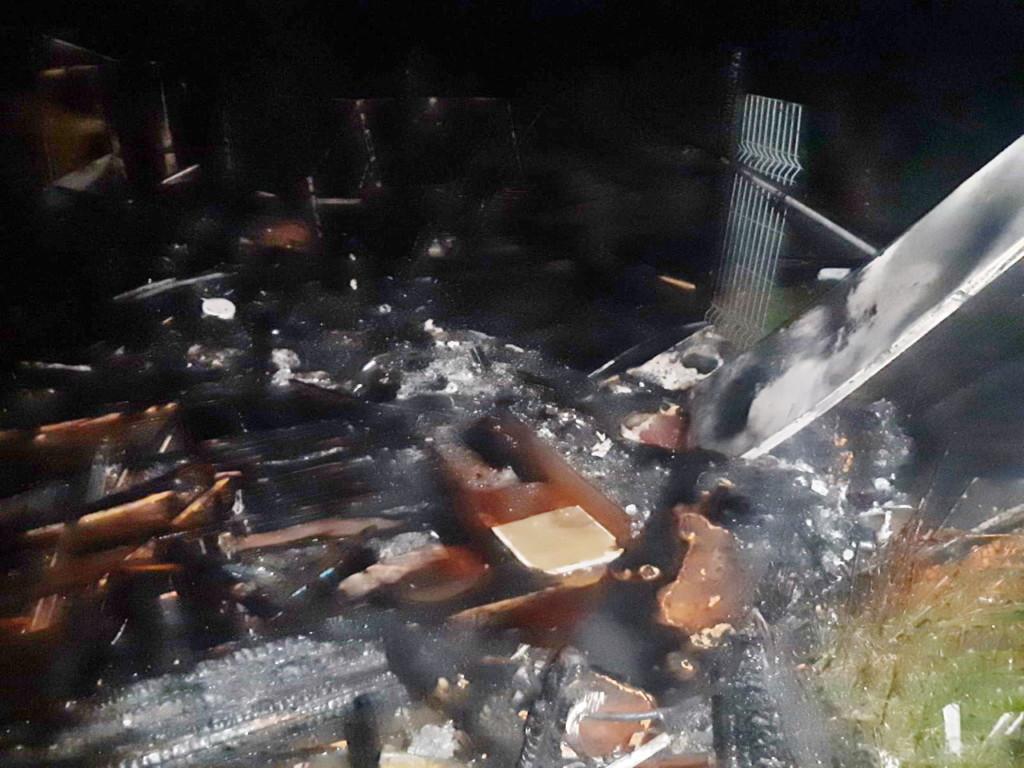 пожар 21.07.2021, летний домик, улица Заречная, Колодня (фото 67.mchs.gov.ru)