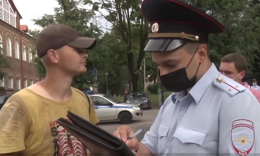 В Смоленске начали штрафовать пассажиров транспорта без масок