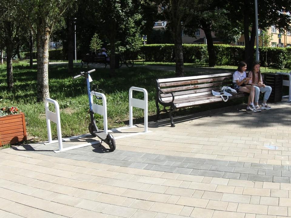 В центре Смоленска установили велопарковки