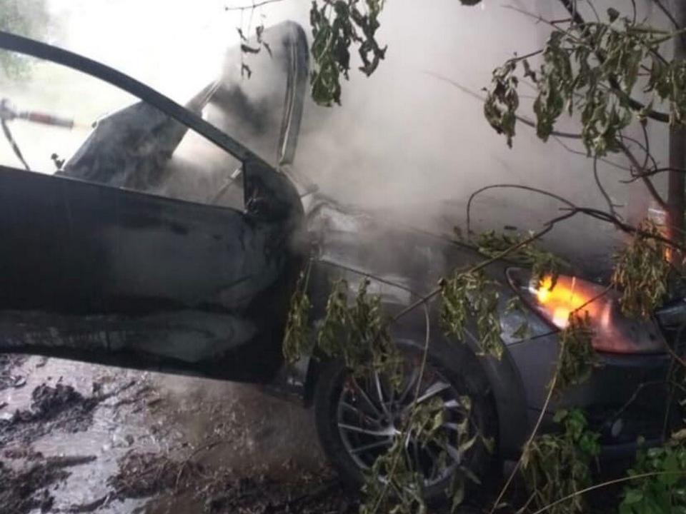 ДТП 15.08.2021, Рославль, Opel Astra, Карла Марска, возгорание (фото vk.com roslavl67news)