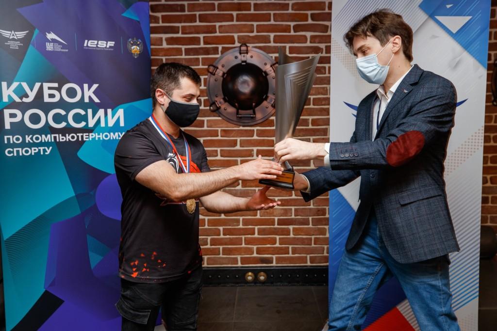 Гарик Галоян, Кубок России-2021 по киберспорту, Tekken 7, награждение (фото vk.com lmgmob)