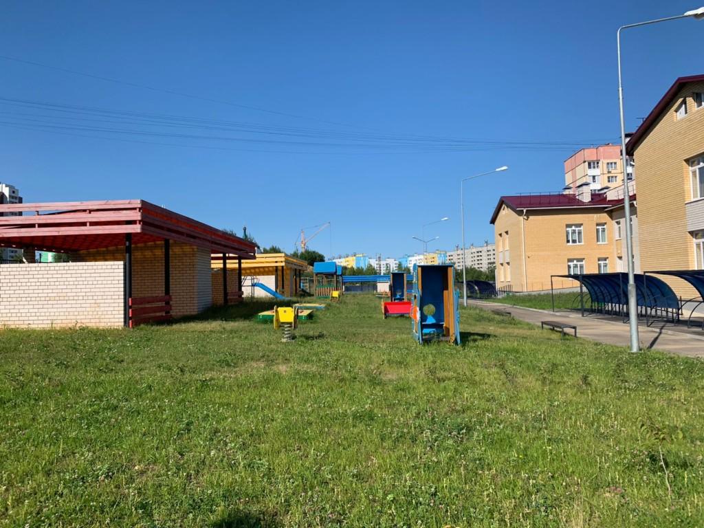 игровая площадка детского сада на Королёвке, август 2021 (фото kapstr.admin-smolensk.ru)