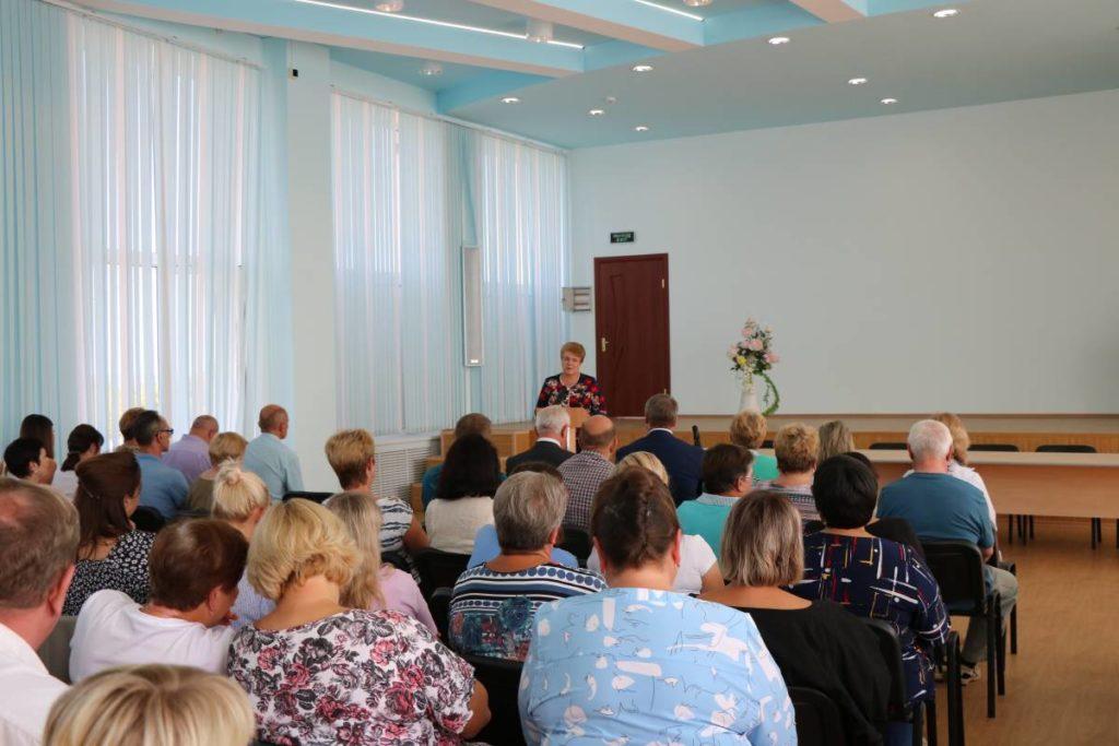Окунева, встреча с коллективом Полиграфкомбината (фото smolensk.er.ru)