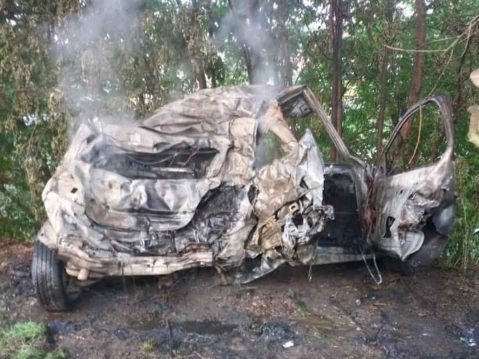 последствия ДТП 15.08.2021, Рославль, Opel Astra, Карла Марска, возгорание (фото vk.com roslavl67news)