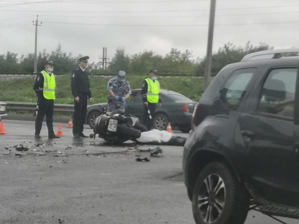 смертельное ДТП с мотоциклистом 30.08.2021, Московское шоссе (фото vk.com id143207091)