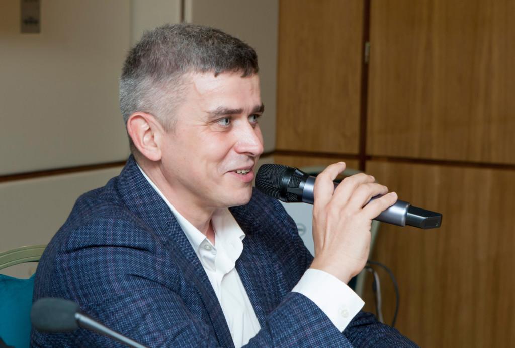 Денис Лысов на пресс-конференции 9.10.2021 в Твери, фото пресс-службы Ростелеком Центр