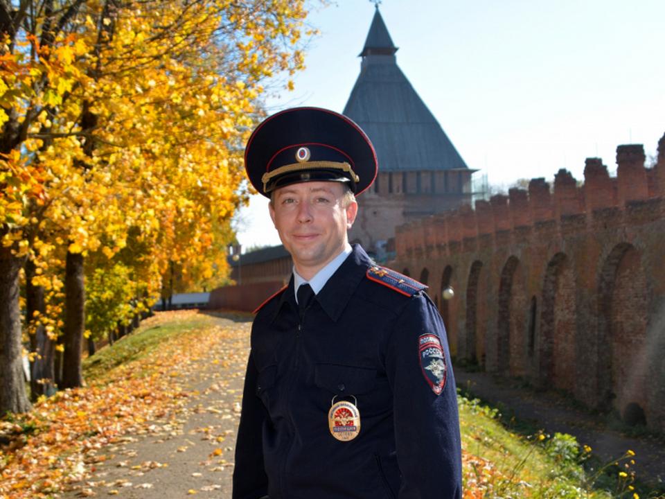 участковый отдела полиции № 2 УМВД России по Смоленску, младший лейтенант полиции Максим Ангелов